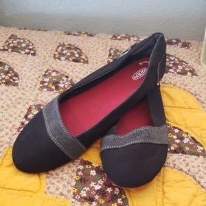 New with tag Keen flats, 8.5